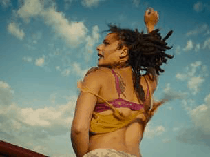 """AMERICAN HONEY"" lands a new trailer. 5"