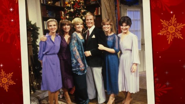https://andersonvision.com/wp-content/uploads/2018/10/pat-boone-family-christmas-dvd-640x360.jpg