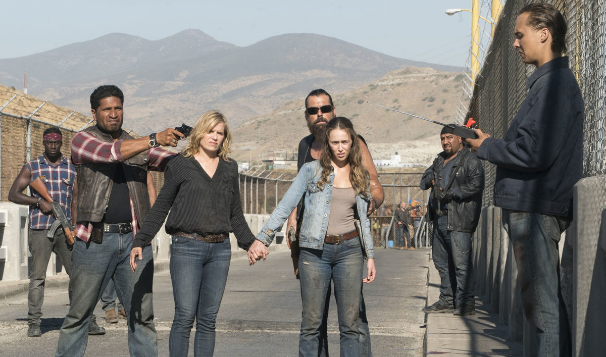 FEAR THE WALKING DEAD SSN 4 on Blu-ray and DVD 3/5