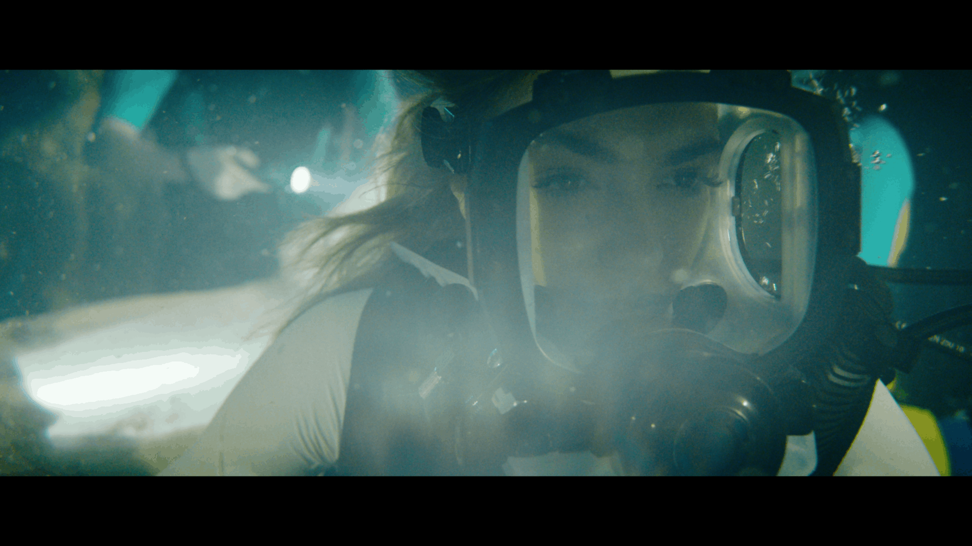 47 METERS DOWN: UNCAGED | NEW TRAILER starring Sistine Rose Stallone and Corinne Foxx 11