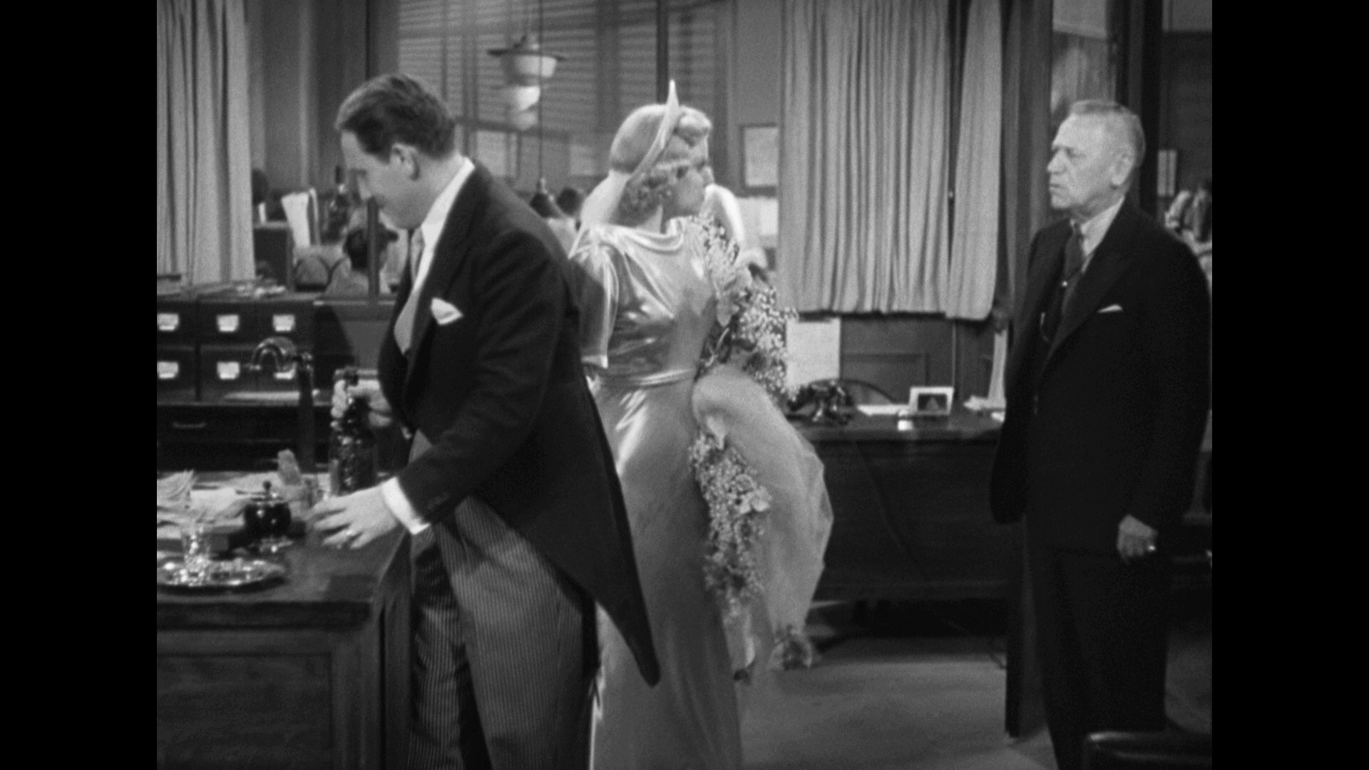 Libeled Lady (1936) [Warner Archive Blu-ray review] 4