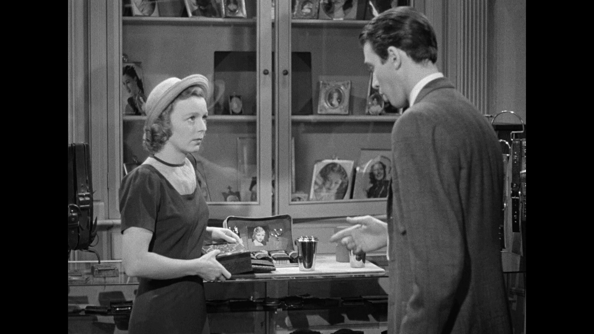 The Shop Around The Corner (1940) [Warner Archive Blu-ray review] 20