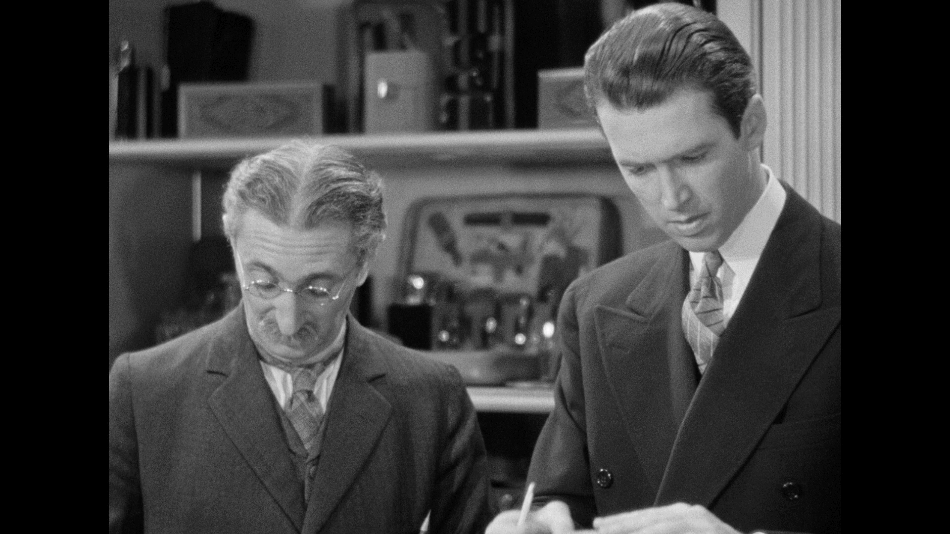 The Shop Around The Corner (1940) [Warner Archive Blu-ray review] 14