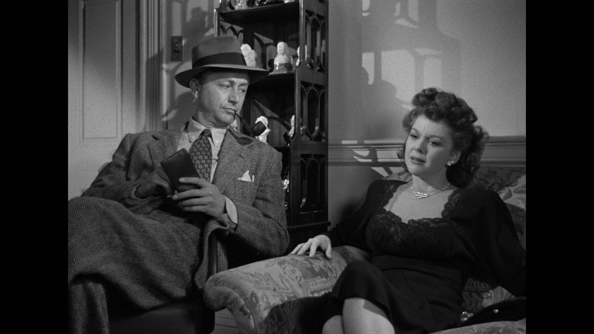 Crossfire (1947) [Warner Archive Blu-ray review] 4