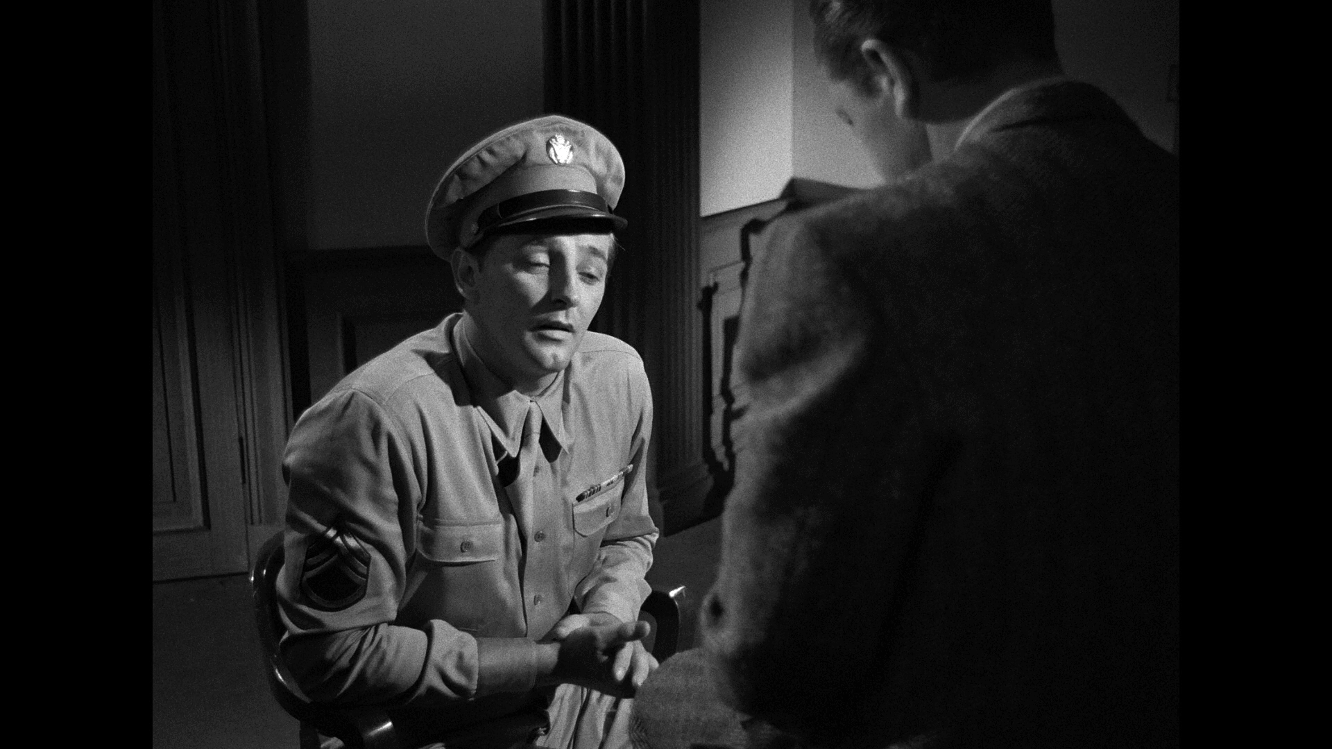 Crossfire (1947) [Warner Archive Blu-ray review] 8