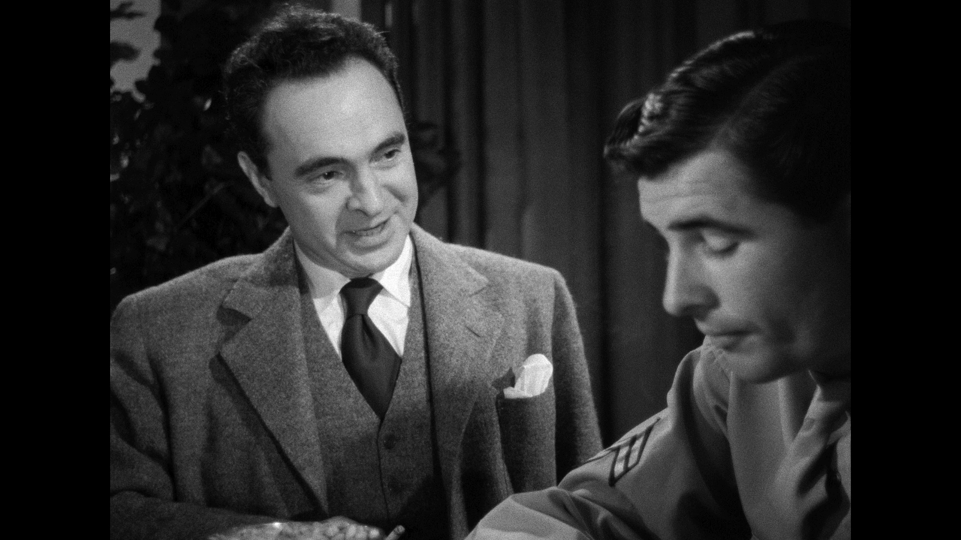 Crossfire (1947) [Warner Archive Blu-ray review] 2
