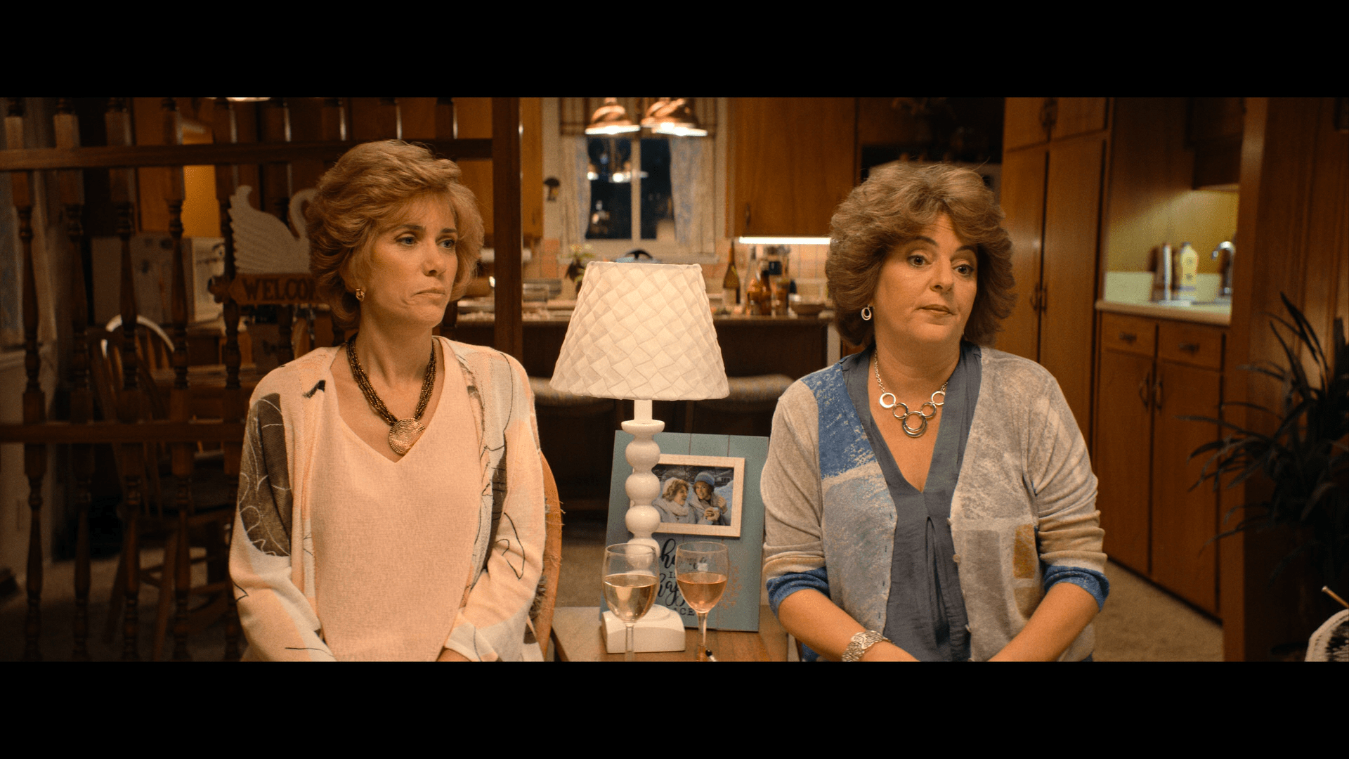 Barb and Star Go to Vista Del Mar (2021) [Blu-ray review] 8